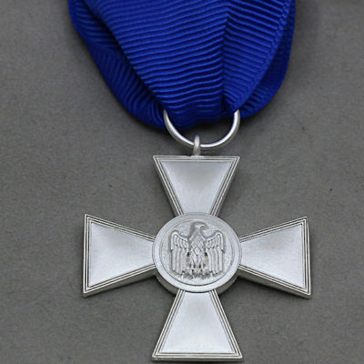 GERMAN ARMY 1957 Issue 18 Year Service medal
