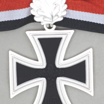 GGERMAN ARMY KNIGHTS CROSS OF THE IRON CROSS with oakleaves 1957