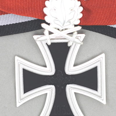 KNIGHTS CROSS OF THE IRON CROSS with oakleaves and Swords reverse