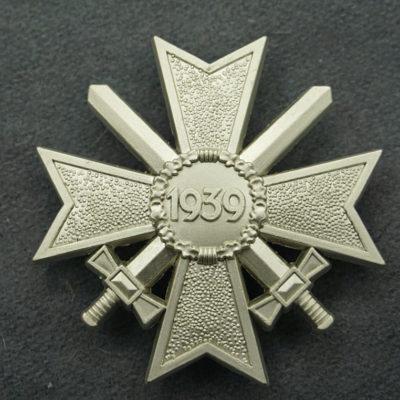 GERMAN ARMY War Merit Cross w/swords 1st class 1957 issue reverse