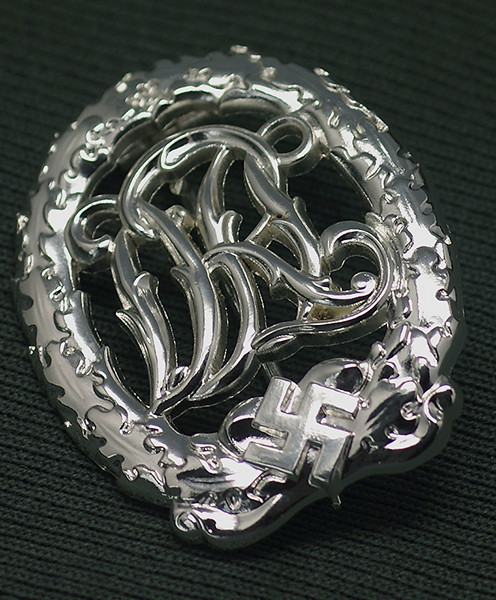 DRL Sports Badge in Silver