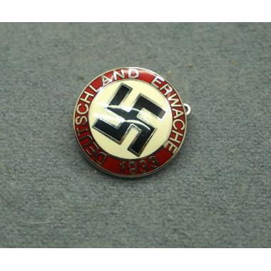 Deutschland Erwache 1933 Party Badge